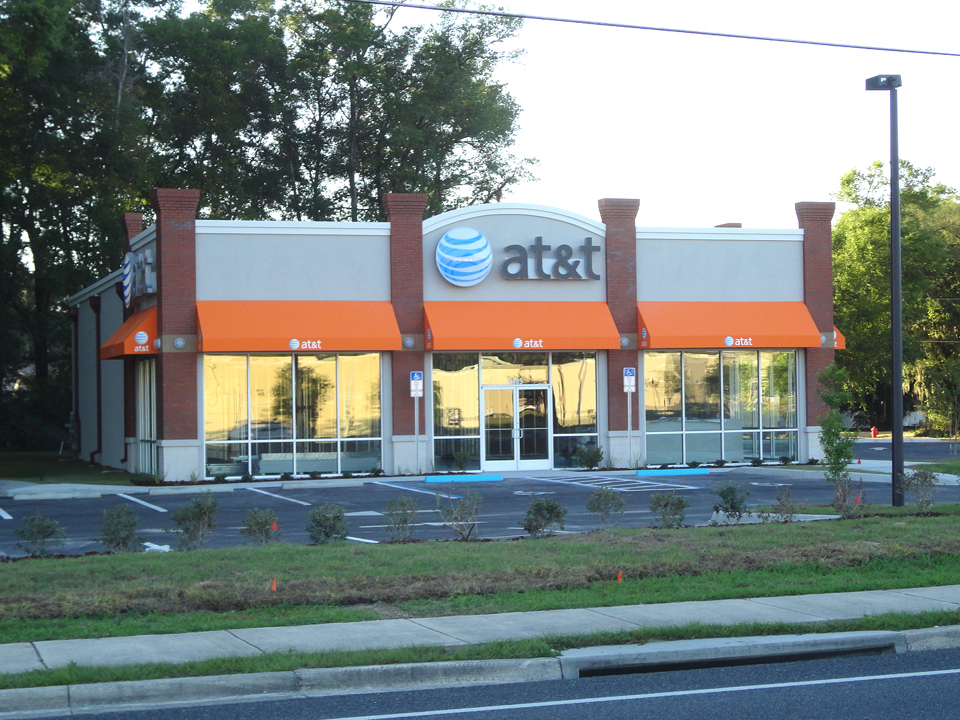 AT&T - Hartley + Purdy Architecture designed this 4,000sf AT&T prototype store in Ocala, Florida.